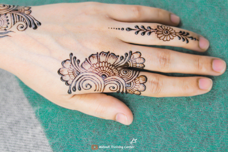 نقش الحناء فيديو سهل و جميل نقش الحناء خطوة بخطوة نقش الحناء البسيط Henna Hand Tattoo Hand Henna Simple Henna