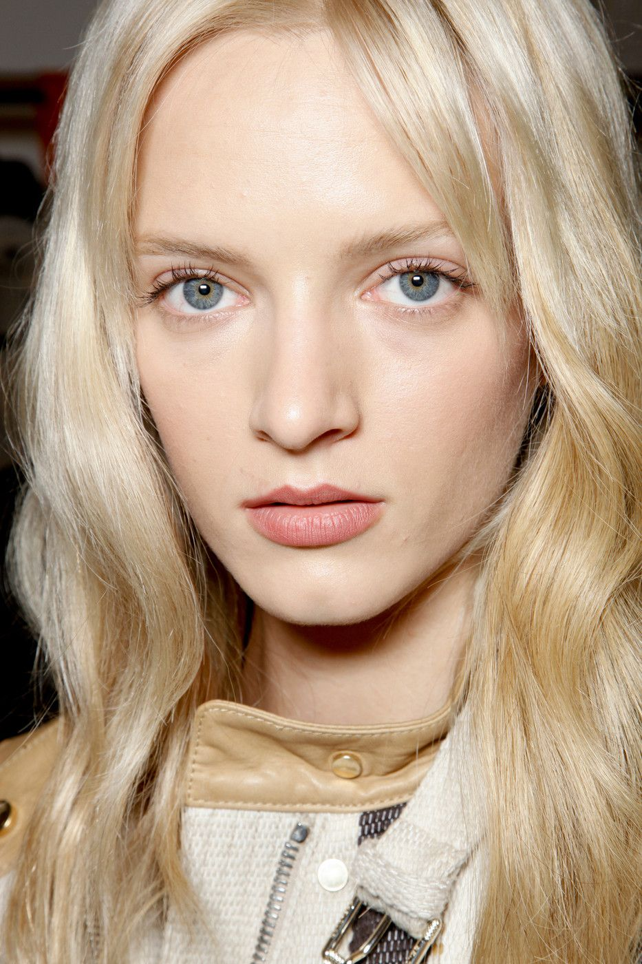 1f2961079570edc662fb98b7fecc0468 daria strokous belstaff backstage beauty s s 13 pinterest  at gsmx.co