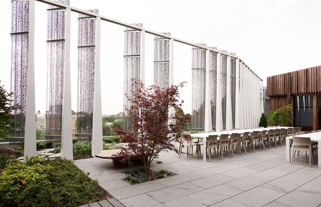 Japanese roof garden at the Melbourne Design School at ...