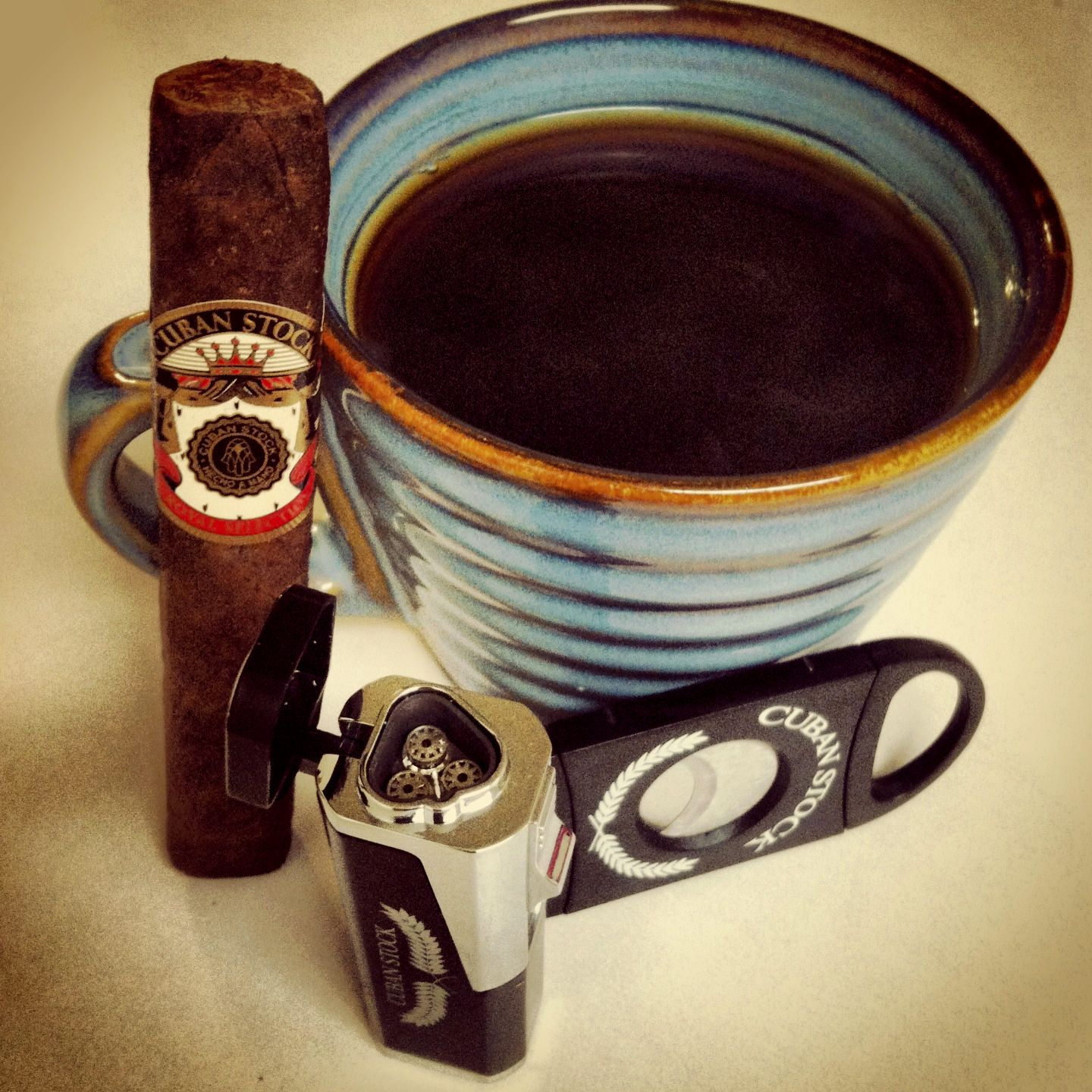 goodmorning CubanStock Royal Selection Robusto & a cup of French