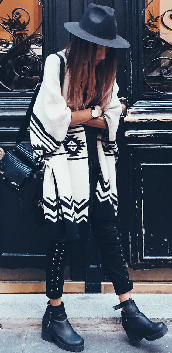Aztec Cardi Fall Streetstyle Inspo by Mexiquer