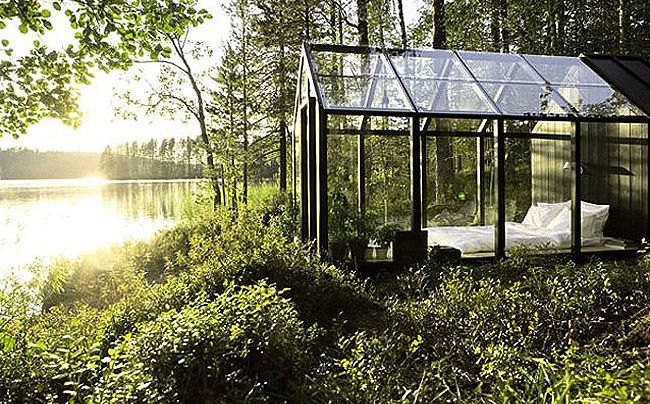 Cabaña invernadero para disfrutar de las noches junto al lago   Decoesfera