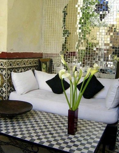 Moroccan style home decorating invites rich colors of Middle Eastern