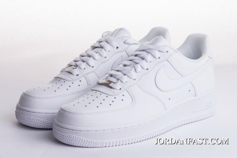 2020 的 Women/Men Nike Ari Force 1 High 07 Triple White