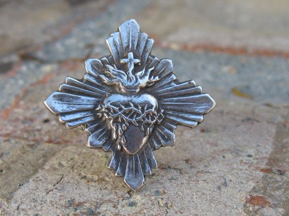 A Tattered Heart Ring Sacred Heart Ring from by gabriellalucretia, $48.00