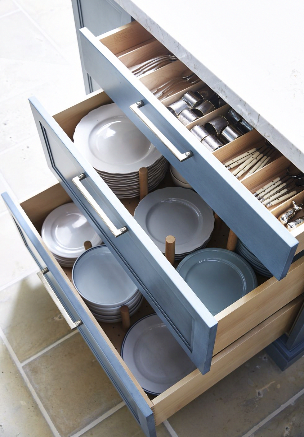 Why Dish Drawers Are Healthier Than Cabinets