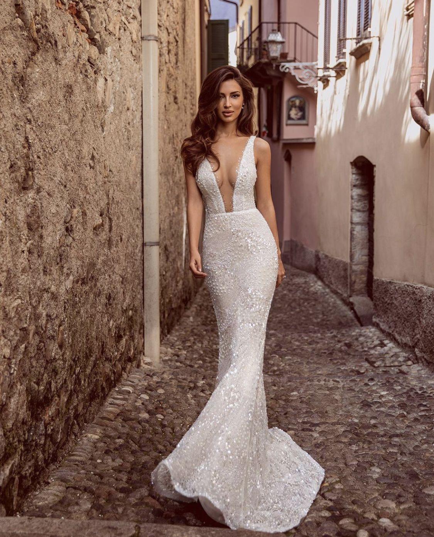 Mesmerizing Alejandra From Viero Chicagowedding Longdress Classy Viero Bridal Elegan In 2020 Wedding Gowns Mermaid Wedding Dress Couture Wedding Dresses