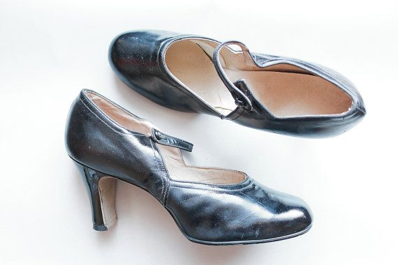 vintage 1920s heels // 20s black leather mary jane shoes // by TrunkofDresses