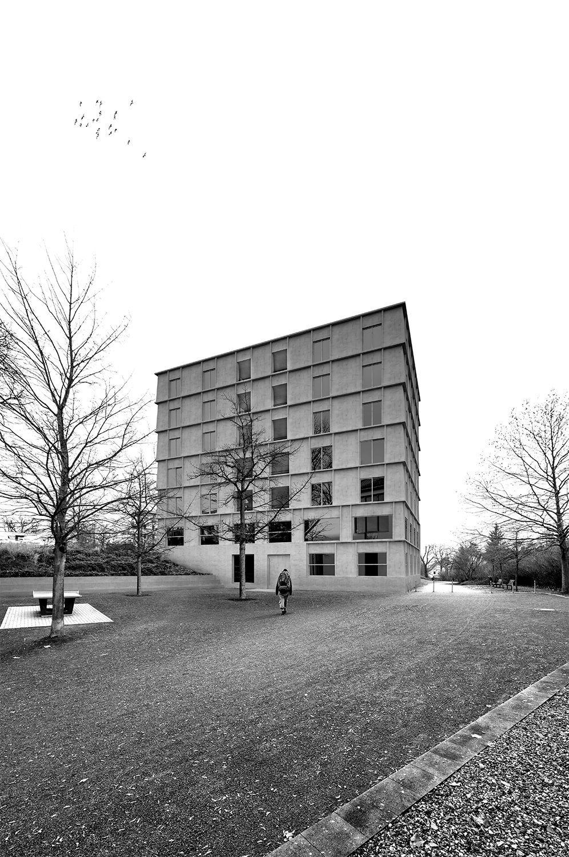 Graue Häuser graue häuser ohne kompromisse wettbewerb für studentenwohnheim in