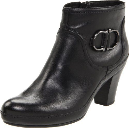 Yes Im shoe shopping. Yes these are Clarks too. I love Clarks :D