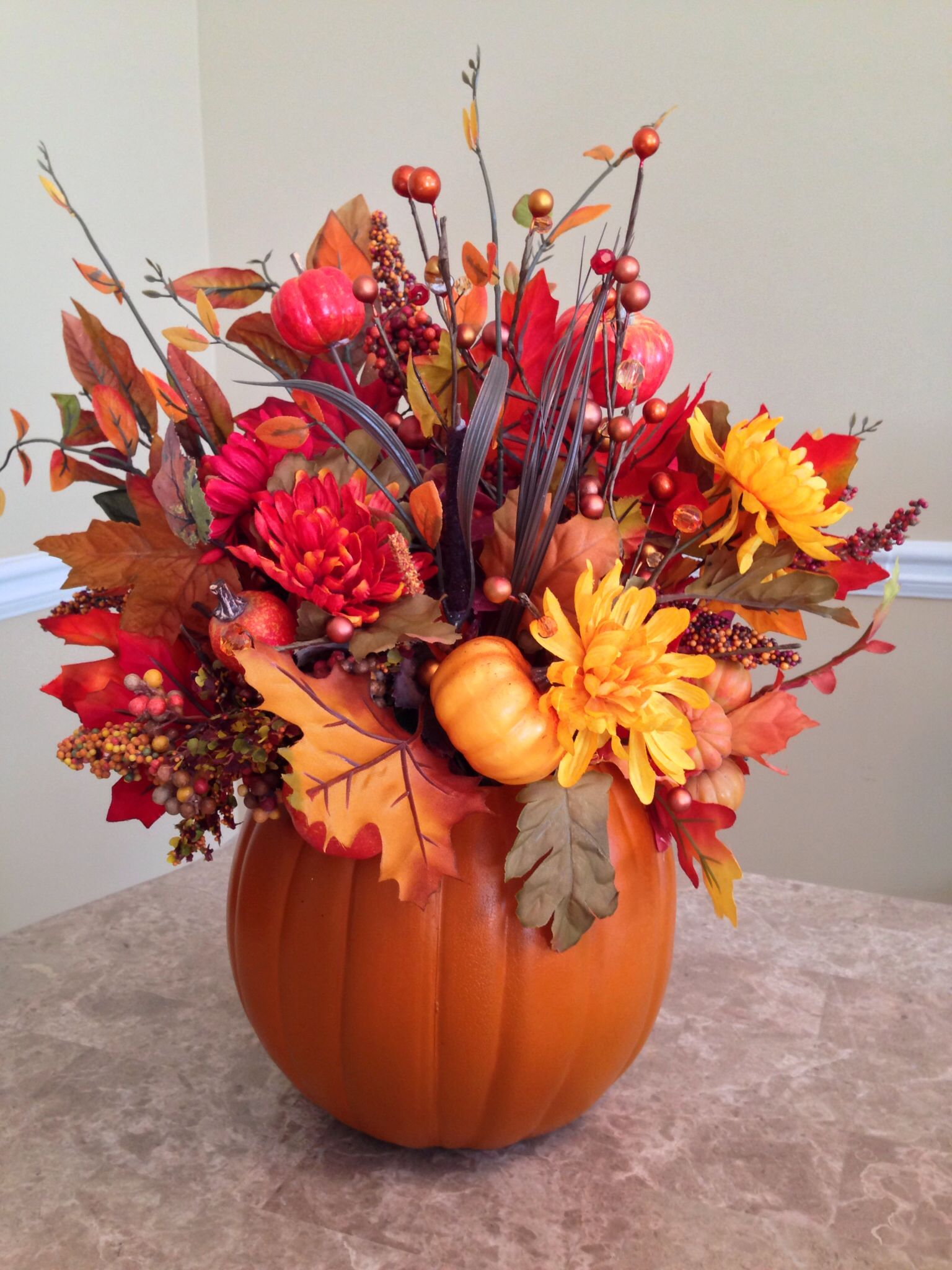 Small fake pumpkin floral arrangement. #thanksgiving #red #Caps ...