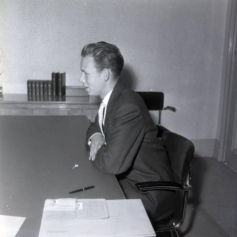 Eerste student, Hans Wijffels, aan de Technische Hogeschool in Eindhoven (september 1957)