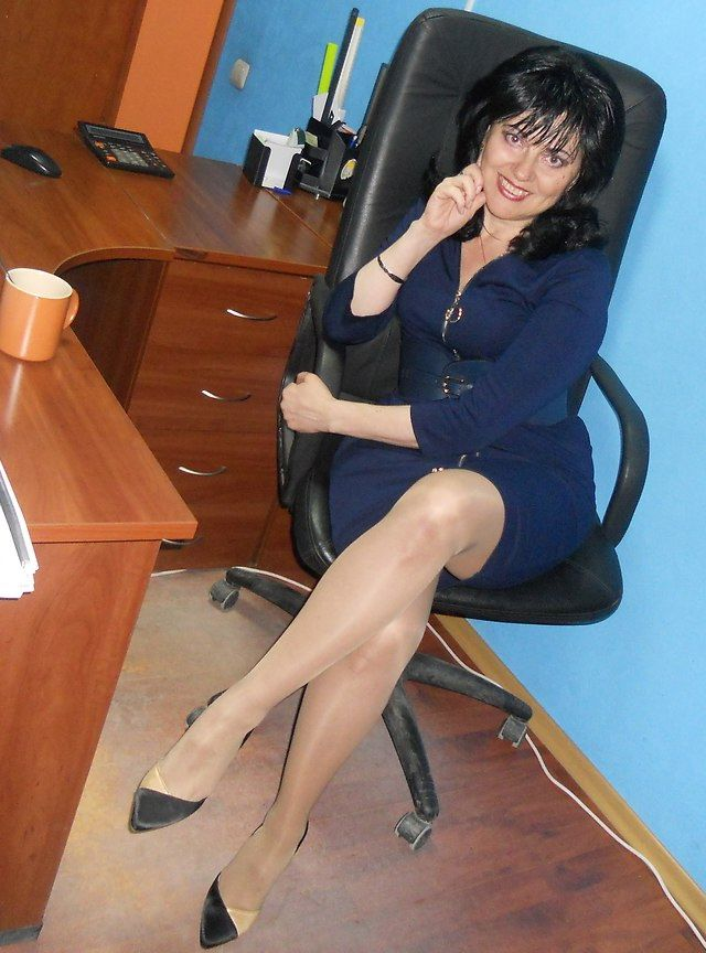 Milf pantyhose office
