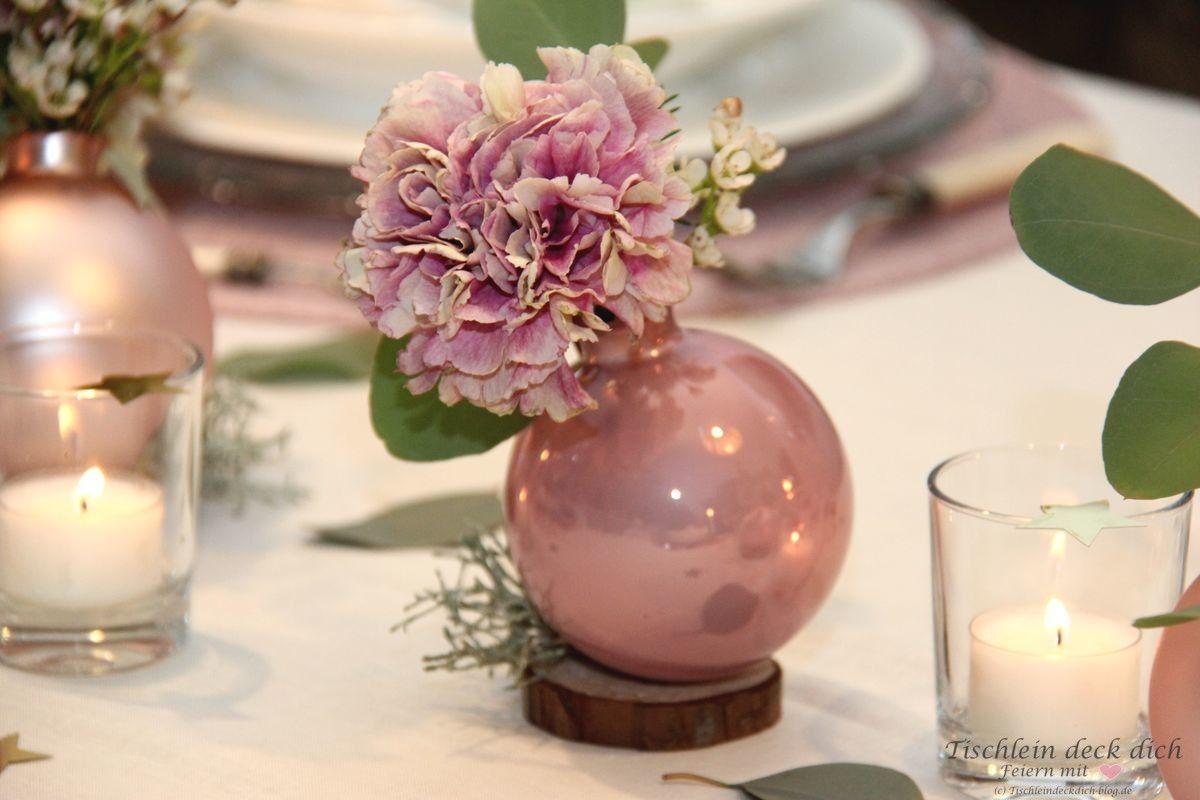 Weihnachtliche Tischdekoration in zartem rosa - Tischlein deck dich