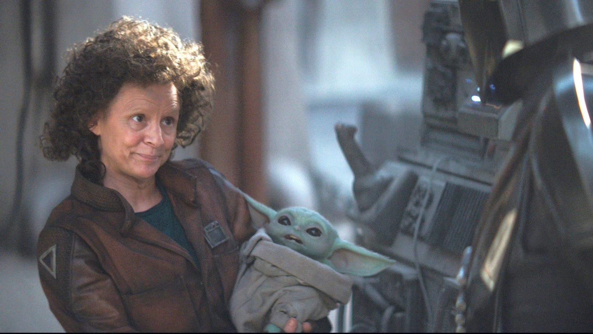 Here S Why The Mandalorian Fans Think Amy Sedaris Character Looks Familiar Mandalorian Star Wars Love Star Wars
