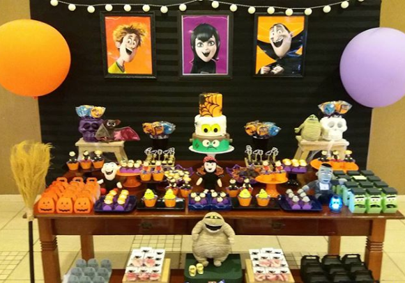 Fiesta Tematica Hotel Transylvania With Images Hotel
