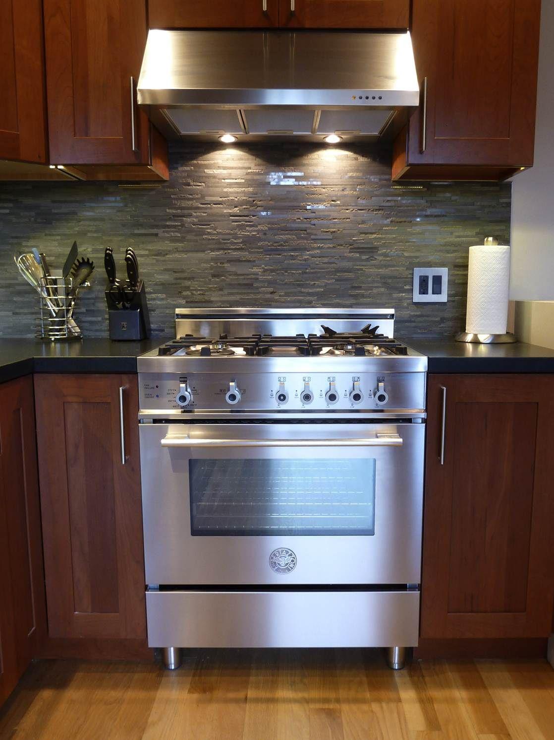 San francisco bertazzoni professional series 30 4 for Professional home kitchen ideas