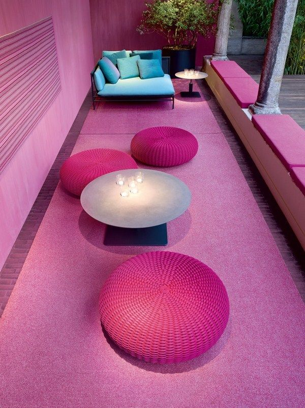 Indoor-Outdoor living room - Furniture by Paola Lenti   Pink Spaces ...