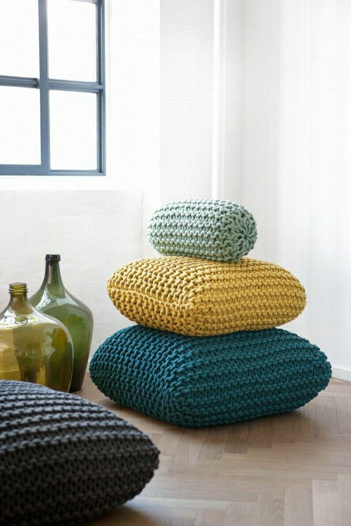 111 fotos von modernen und bequemen bodenkissen bodensitzkissen sitzkissen und boden. Black Bedroom Furniture Sets. Home Design Ideas