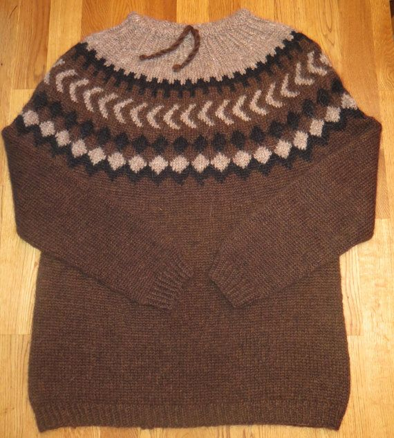 Icelandic traditional natural wool sweater. Hand by Woolartshop
