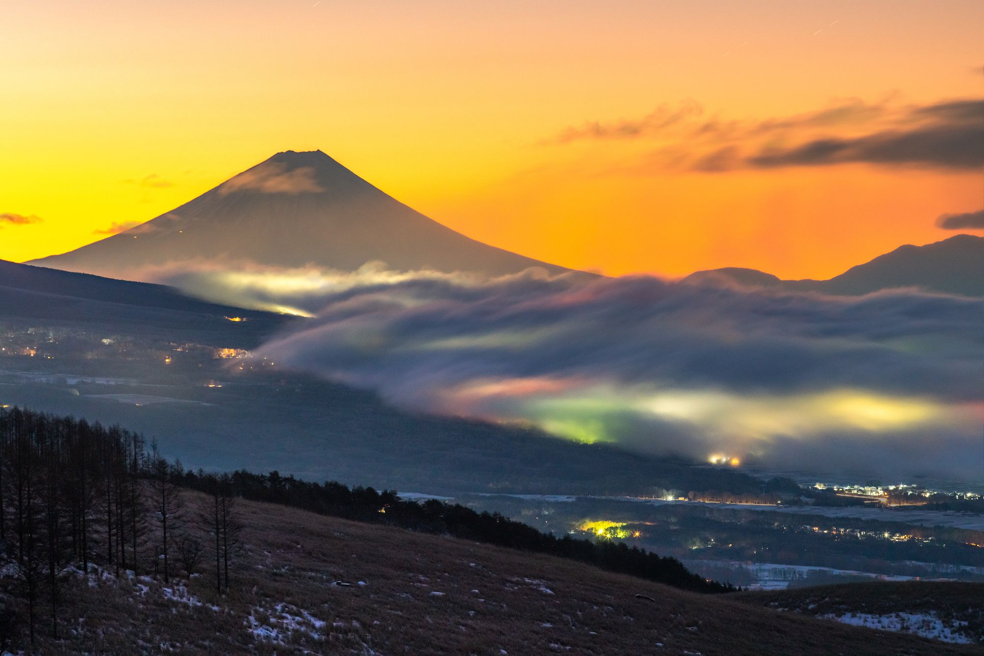 Photo by : Shinji Kuwayama . Follow us for amazing posts! #PASHADELIC #FUJIdelic . . #sony #ilce7rm3 #mtfuji #fujiyama #fujisan #photography #photooftheday #nature #naturephotography #landscape #landscapephotography #japan #japan_of_insta #japanphoto #igers #ig_japan #mountain #mountains #mountainphotography #富士山 #富士 #山