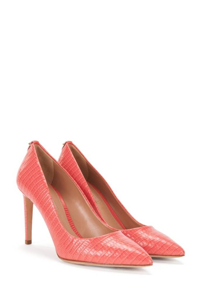 f4aff3ade72 Hugo Boss pumps in embossed leather with a kitten heel. | shoes ...