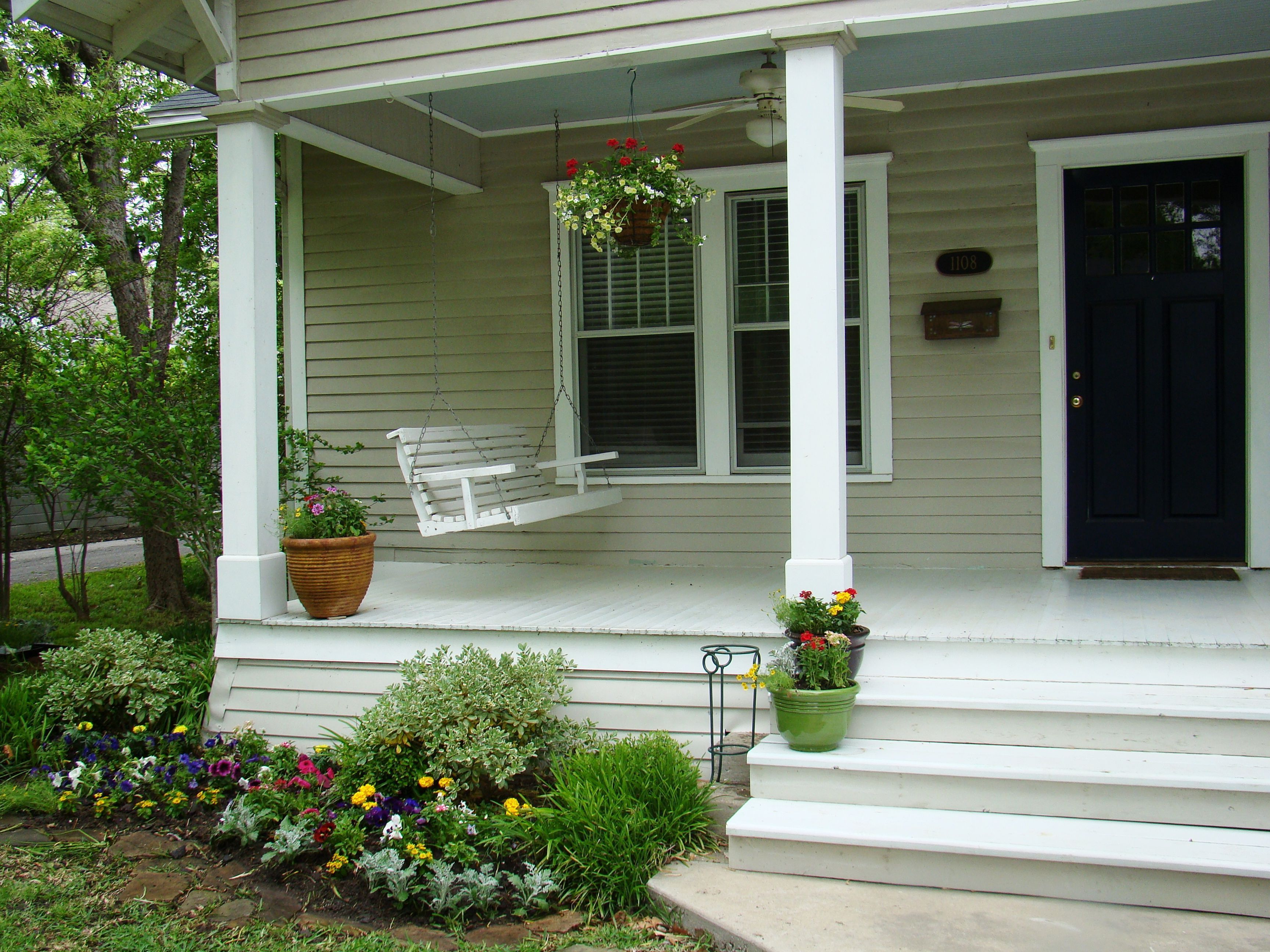 Inspiring Gorgeous 25+ Front Porch Design And Decorating Ideas For