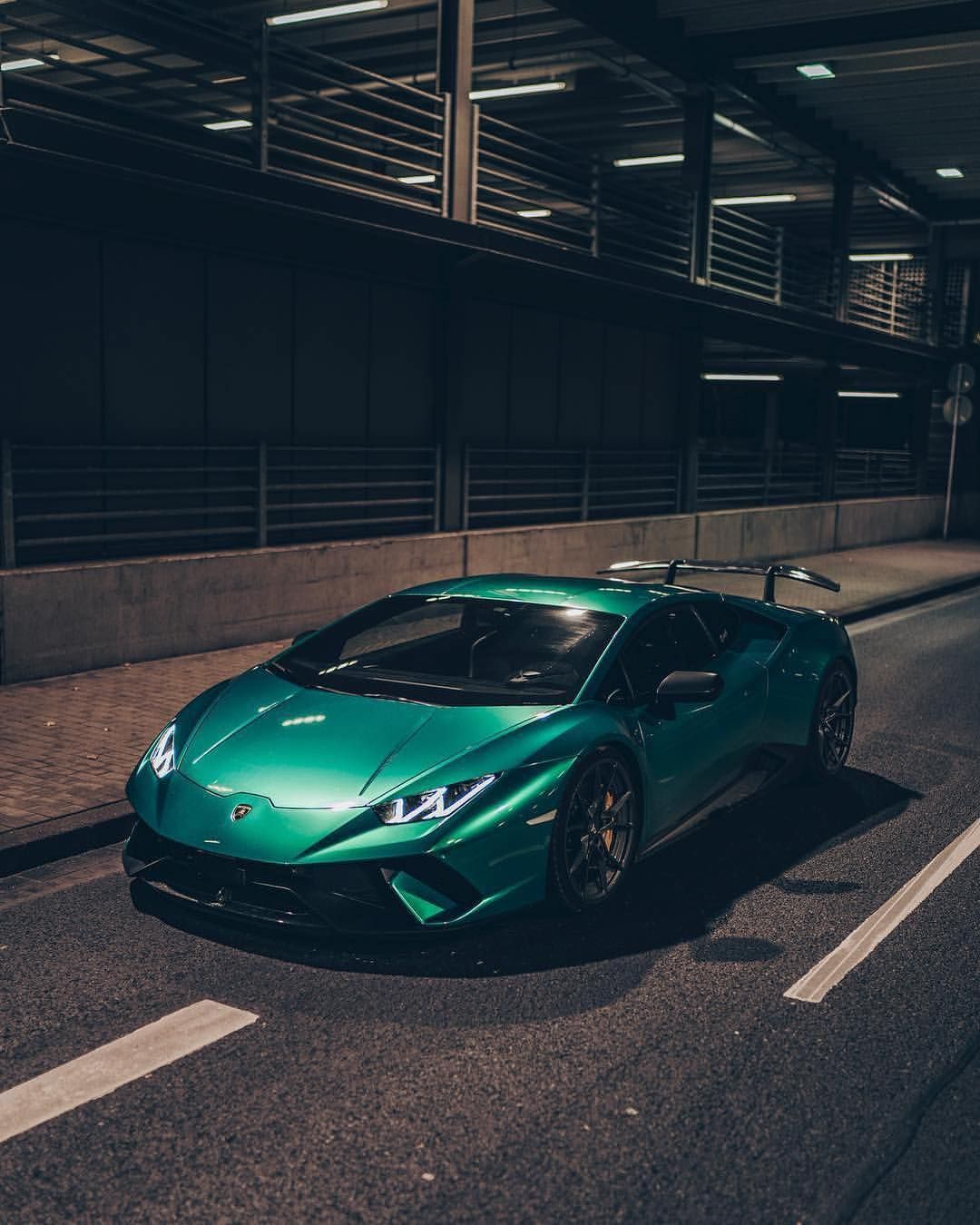 Supercars Gallery: Sports Cars You Can Daily Drive