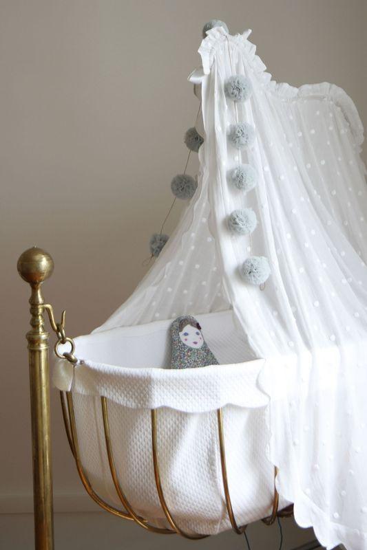 Adorable Vintage Crib Via Arsababy Idee Chambre Bebe Deco