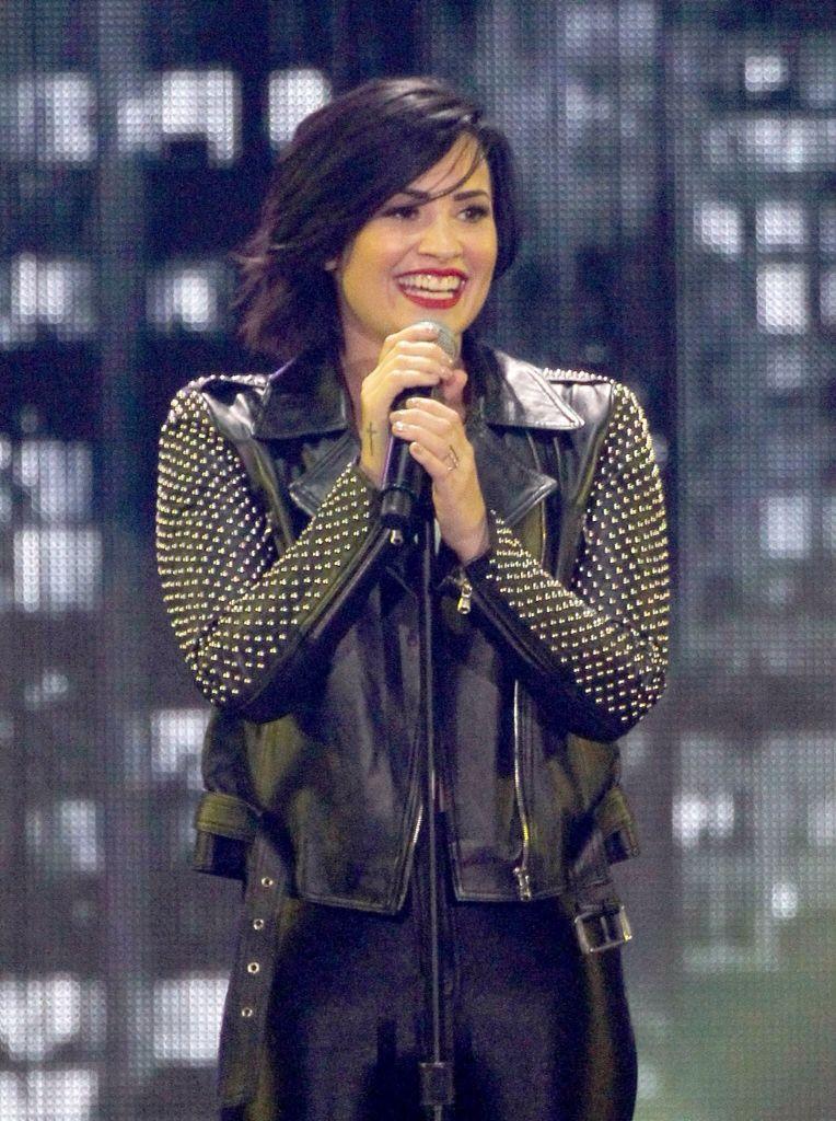 Demi Lovato 1035 Kiss Fm Jingle Ball Demi Lovato Demi Lovato