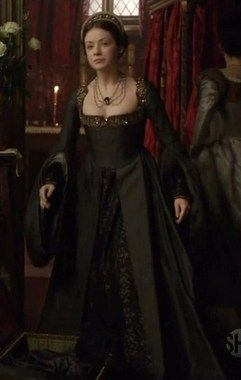 the tudors mary costume renaissance tudor elizabethan and baroque pinterest regal. Black Bedroom Furniture Sets. Home Design Ideas