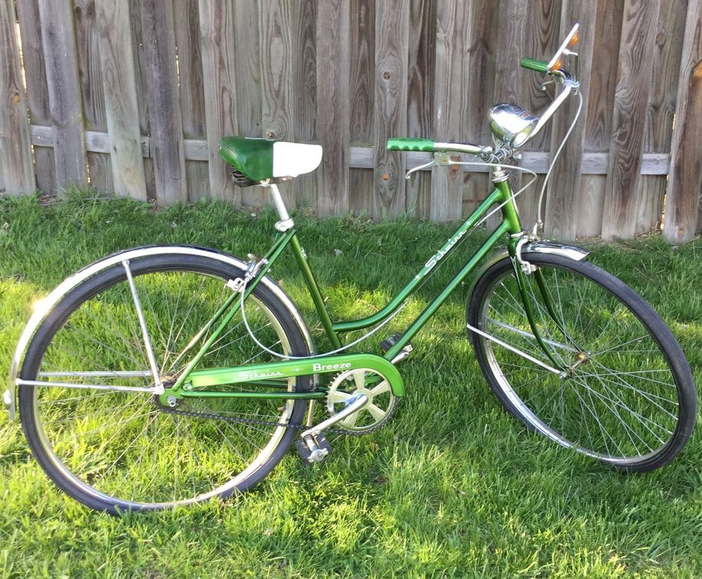 Vintage Schwinn Breeze Bicycle Green S Seat Original Bike Women S Vintage Bikes Bicycle Schwinn