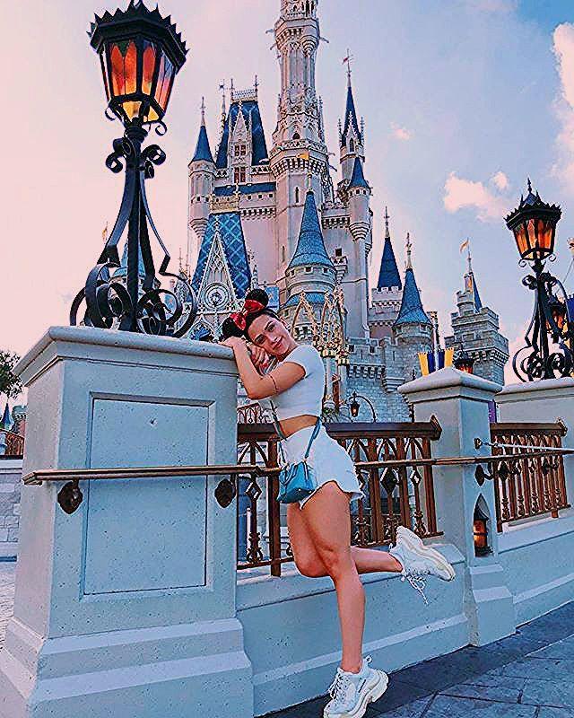 "Photo of Flavia Pavanelli on Instagram: ""Overdose de Mickey! ❤️"""