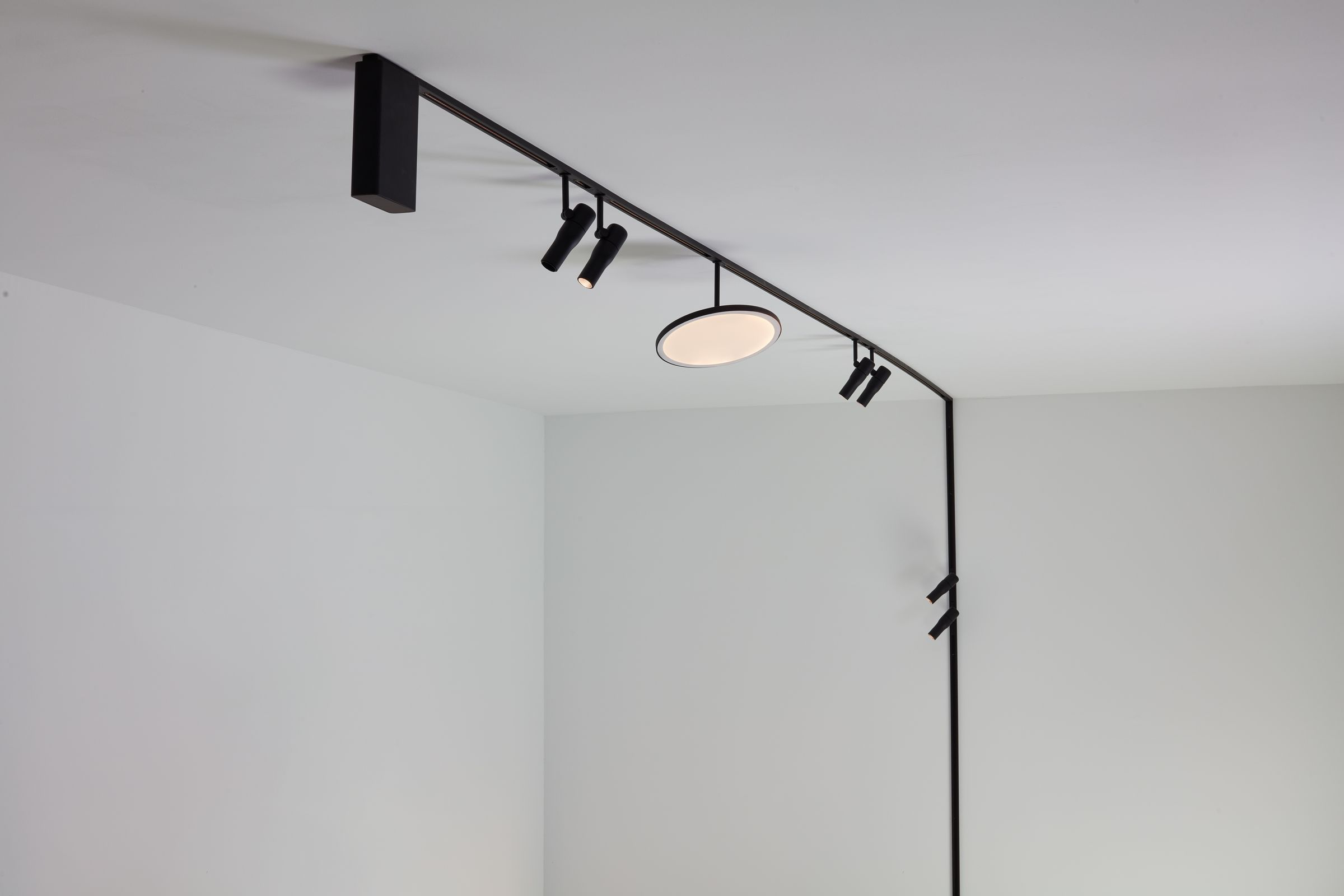 Zero Track Innovative Surface Mounted System Flos Flos Adjustable Wall Lamp Kitchen Room Design