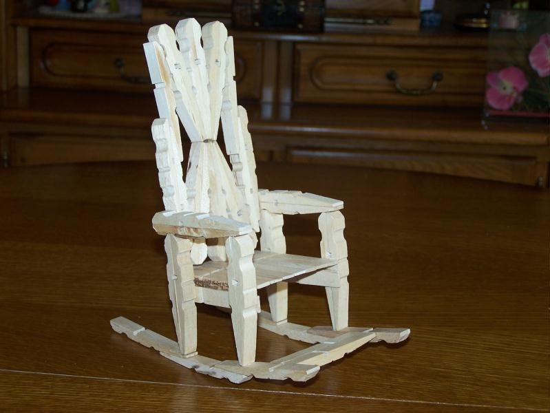 la chaise bascule en pingle linge cr ation cr ation. Black Bedroom Furniture Sets. Home Design Ideas