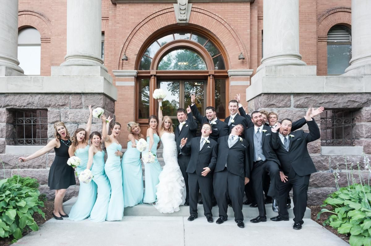 Bridal party - partying