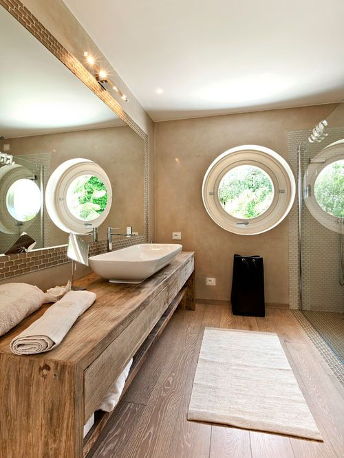 Aménagement d\u0027une salle de bain contemporaine avec une vasque, des