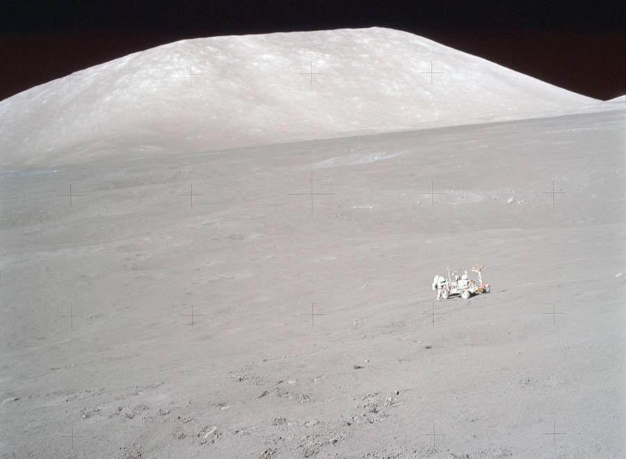 El Trotamundos lunar - (((Imágenes inéditas del hombre en la Luna))) - Libertad Digital
