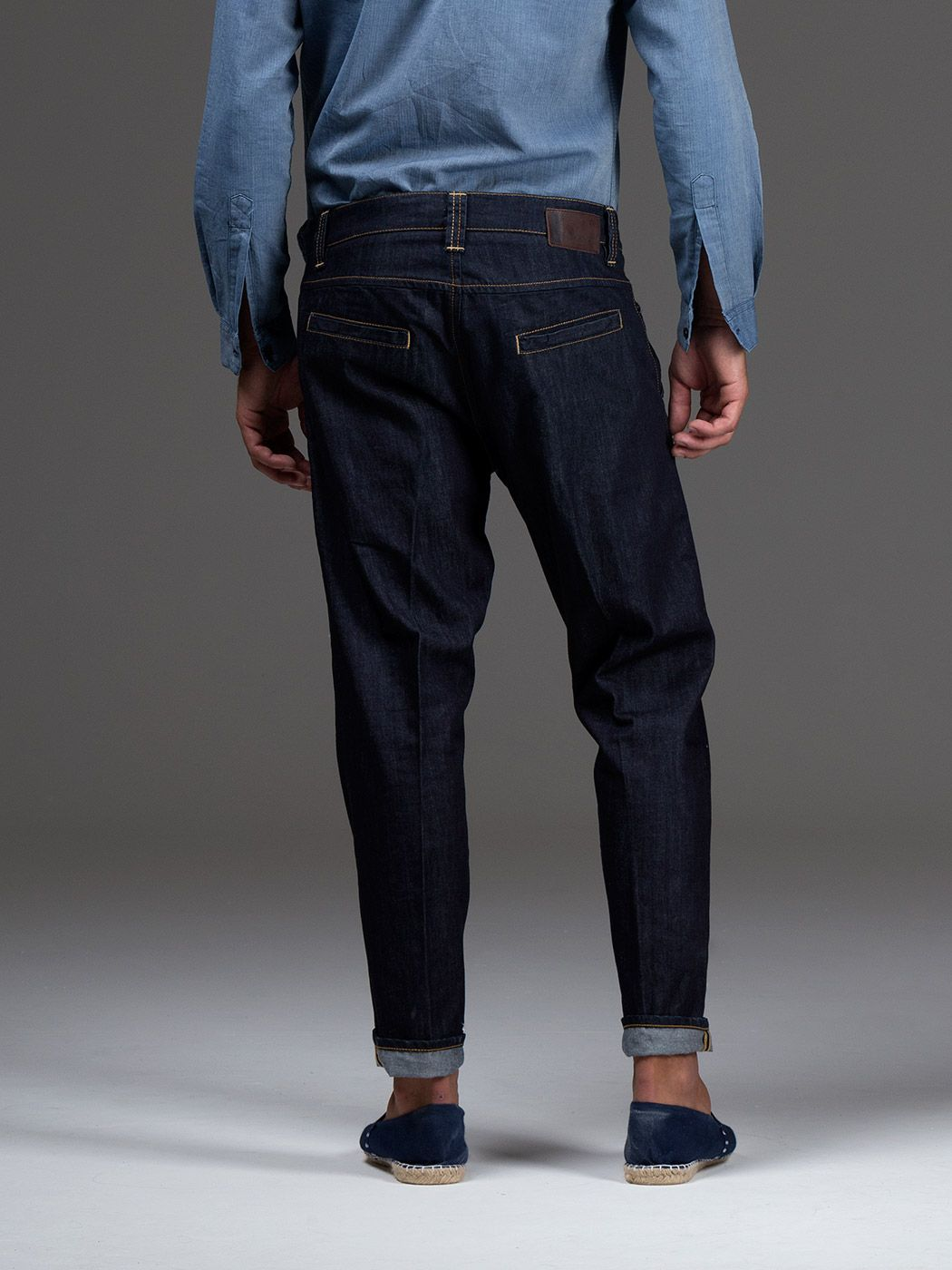 Chino slowcy tasche america, 5∞ taschino con pattina, fondo 16,5 cm, bottoniera. Denim blu fisso 8,75 OZ 100% CO Mama�s wash