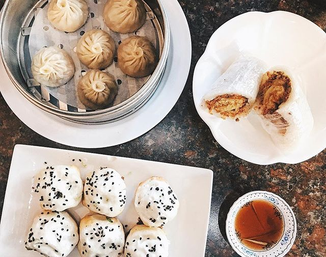 One of my favorite place to get Xiao Long Baos My roommate - imagenes de baos