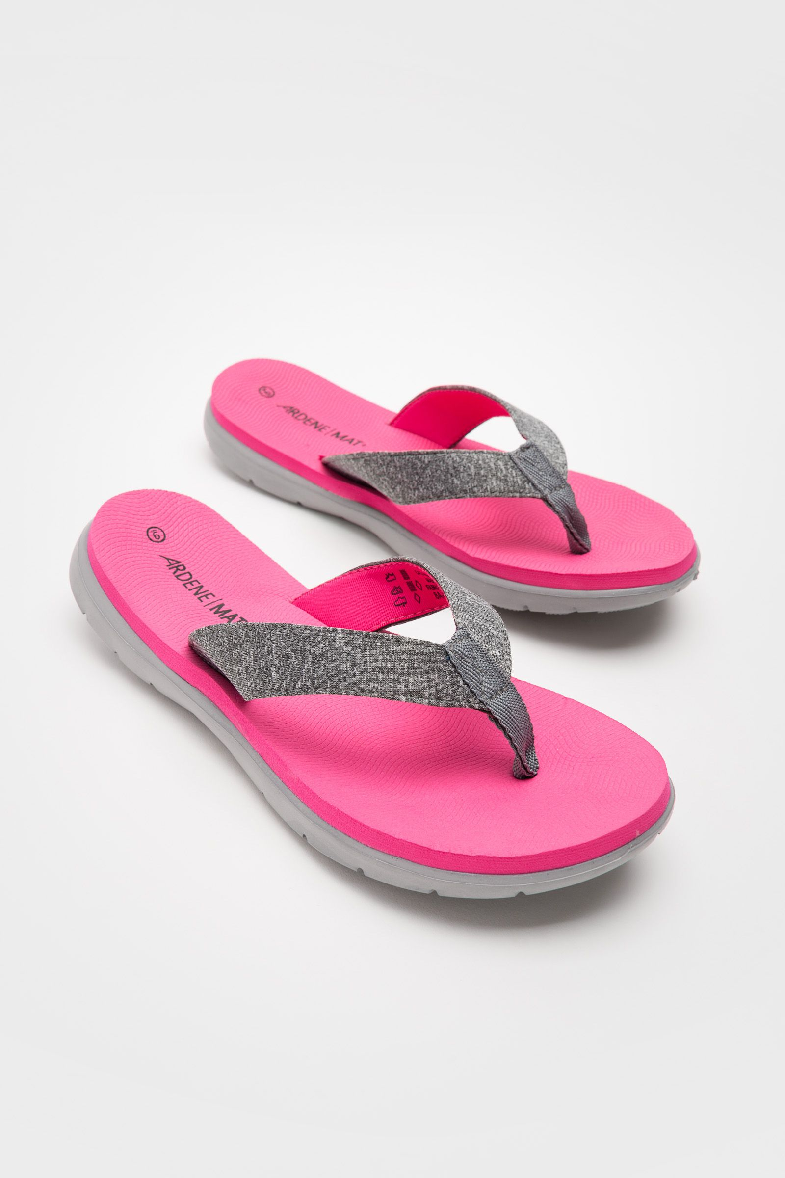 2555879a7 Classic foam flip-flop sandals. MAT+ insole that gives you the comfort of a