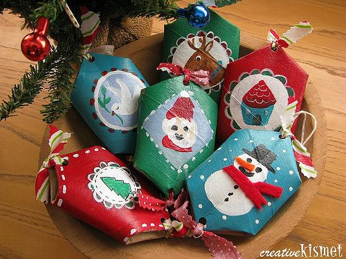recycled paper roll ornaments