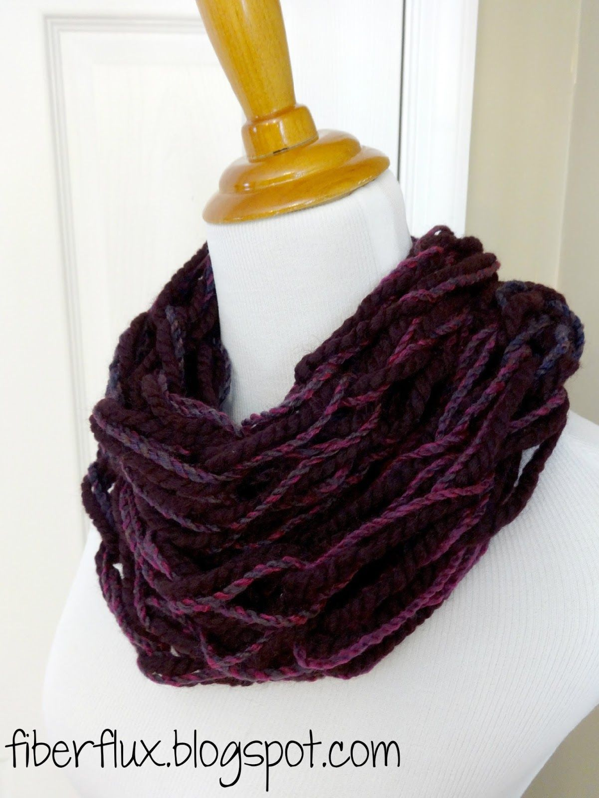 The chunky arm knit cowl is a lightning fast and easy project that level 1 or chunky arm knit cowl free knitting pattern video tutorial bankloansurffo Gallery