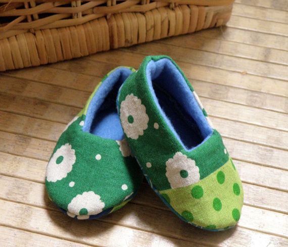 Baby green shoes made of Cotton linen and by Melimebabybeeshop, $16.00