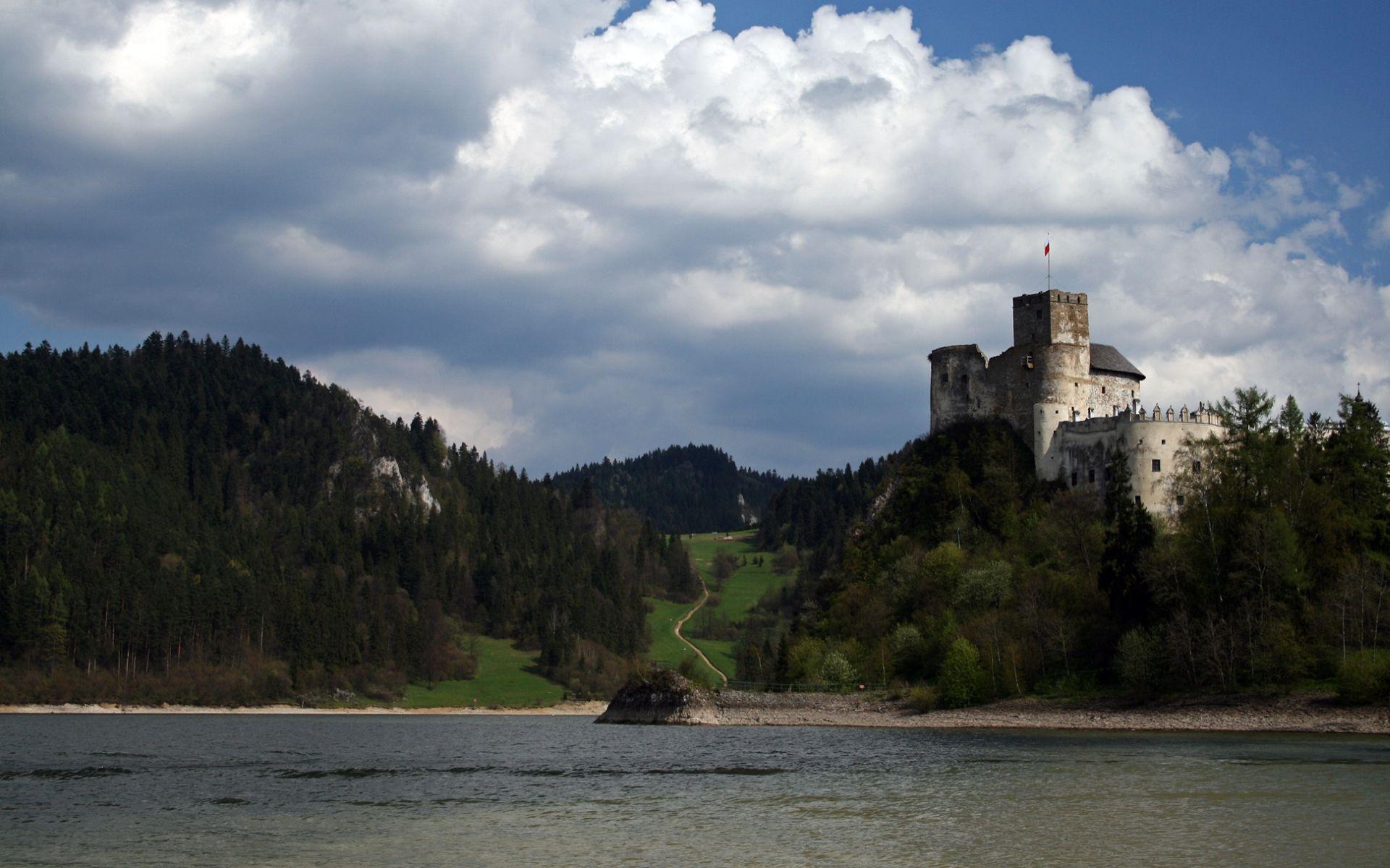 Man Made Niedzica Castle  Sfondo