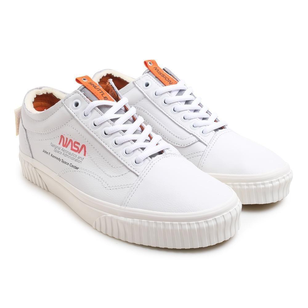 equivocado Guión astronauta  Vans x NASA Space Voyager Old Skool SK8-HI 46 MTE DX White Firecracker  Black | Black athletic shoes, Sneakers men, Sneakers