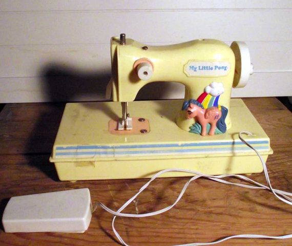 my little pony sewing machine collectible by retrovintagebazaar   28 00