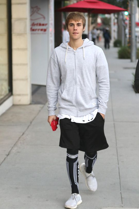 December 13: [More] Justin spotted out in Beverly Hills, California.
