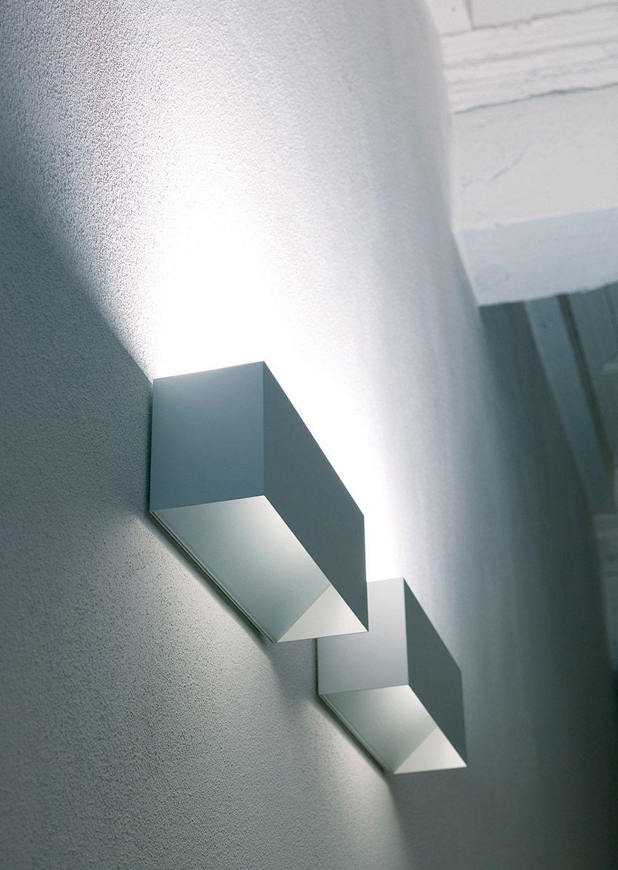 Piu 39 lampada da parete artcreation for Lampada alogena lineare led