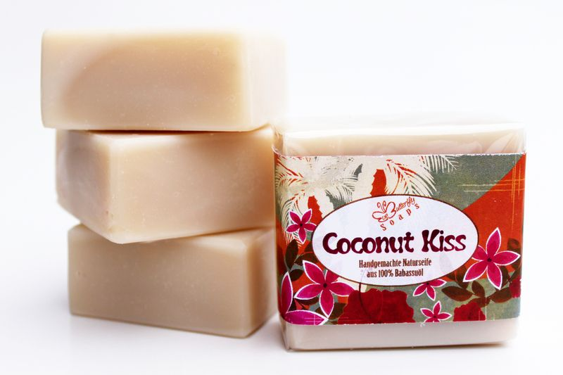 """Handmade Soap """"Coconut Kiss"""" (with 100% Babassu Oil and a mouthwatering coconut-vanilla-scent) - Babassu Oil > kba, fair trade an unrefinded from http://www.babassu.de"""
